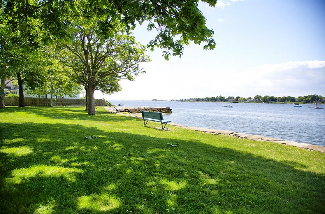 Burrs Hill Park: beautiful view of the water and direct access to the town beach and the East Bay Bike Path
