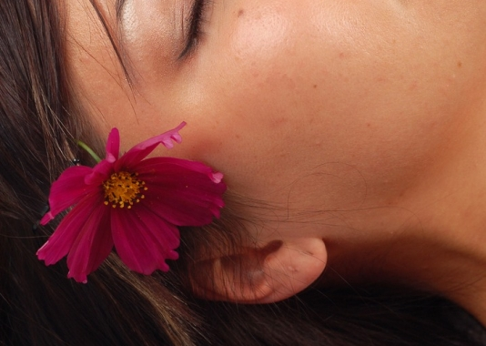 The Wax Pot: skin and body treatments including facials, chemical peels, ultrasonic microdermabrasion, body scrubs & wraps, ear candling, lash tinting and full body waxing.